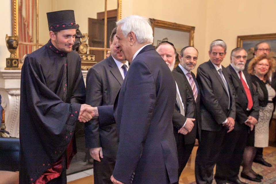 rabbi-pavlopoulos-handshake