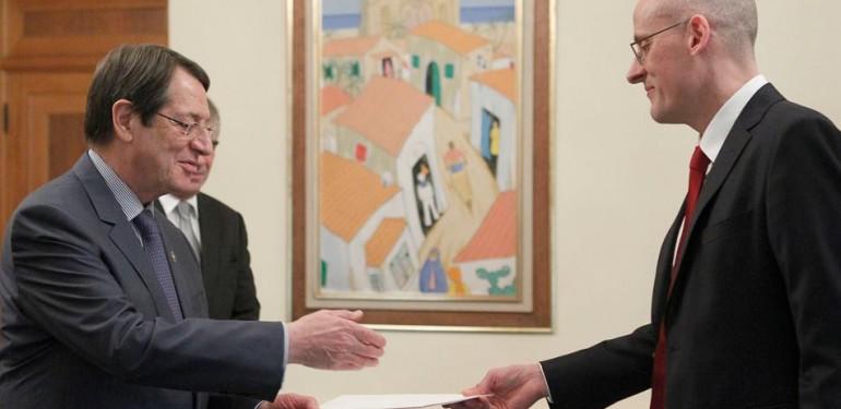 Ο Πρέσβης της Δανίας στην Ελλάδα και στην Κύπρο, Michael Braad, επέδωσε τα διαπιστευτήριά του στον κ. Αναστασιάδη