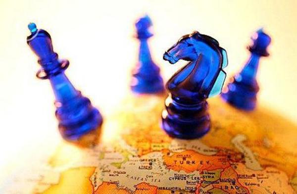 Ο διεθνολόγος, κ. Βασίλης Κοψαχείλης, αναλύει τον όρο  ''γεω-επιχειρηματικότητα'' - thediplomat.grthediplomat.gr